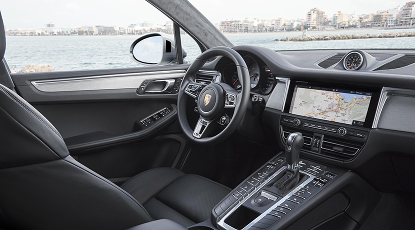 Interior of the Porsche Macan S
